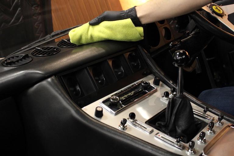 Classic_car_interior